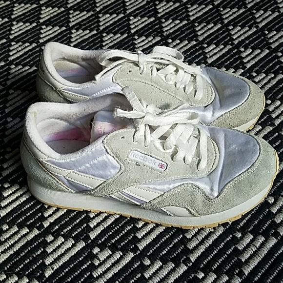 382acecb232 Reebok Classic Nylon Size 7.5 Gray Suede White